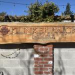 Eingangsschild von Klinker Brick Vineyards